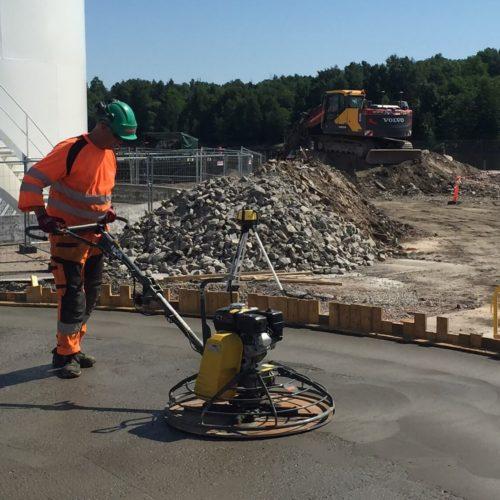 Glatting av betong.