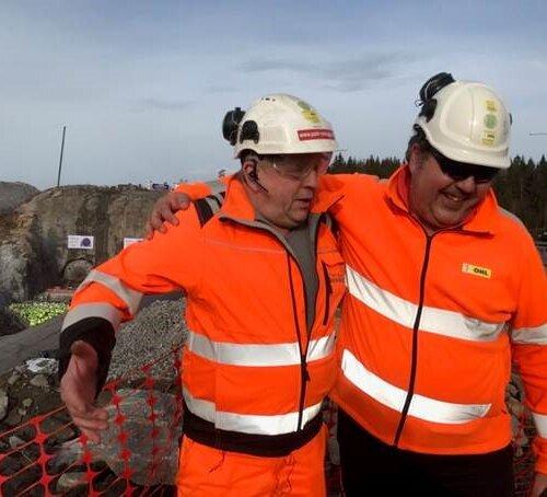 Samarbeid: P&A's AL Terje & OHL's byggeleder Isaac feirer tunnelgjennomslaget 26.2.2019.